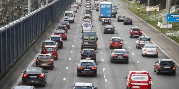 Un conducteur décède dans un accident sur le ring intérieur de Bruxelles - La Libre