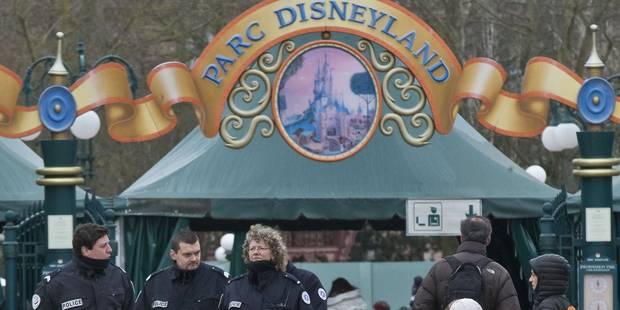 L'homme arrêté à Disneyland sera jugé pour détention et transport d'armes - La Libre