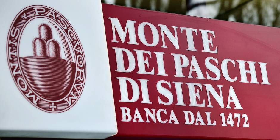 This picture taken on January 19, 2016 shows the logo of the Monte Dei Paschi di Siena bank in Milan. Italian banking stocks saw another day of meltdown on January 19, 2016 as skittish investors were spooked by the country's burgeoning toxic loan crisis. The world's oldest bank, Banca Monte dei Paschi di Siena (BMPS), was hit hardest and was briefly suspended from trading following an equally bleak on January 18 which saw stocks plummet across the board. / AFP / GIUSEPPE CACACE