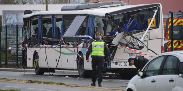 France: six adolescents tués dans un accident entre un minibus et un camion - La Libre