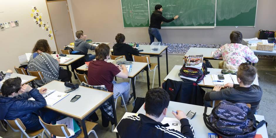 Faut-il arrêter de nommer les enseignants à vie ? - La Libre
