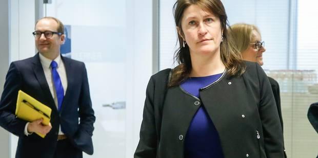 Jacqueline Galant et Ben Weyts arrivent en retard à une réunion sur la mobilité à cause des bouchons - La Libre