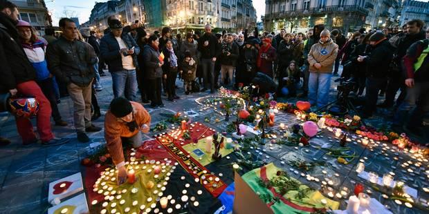 A Bruxelles, la place de la Bourse transformée en lieu de mémoire - La Libre
