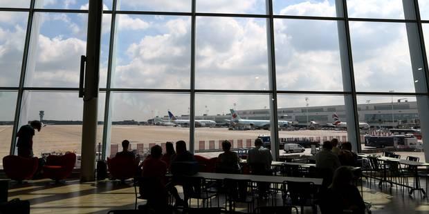 Bientôt des portiques à l'entrée de l'aéroport ? - La Libre