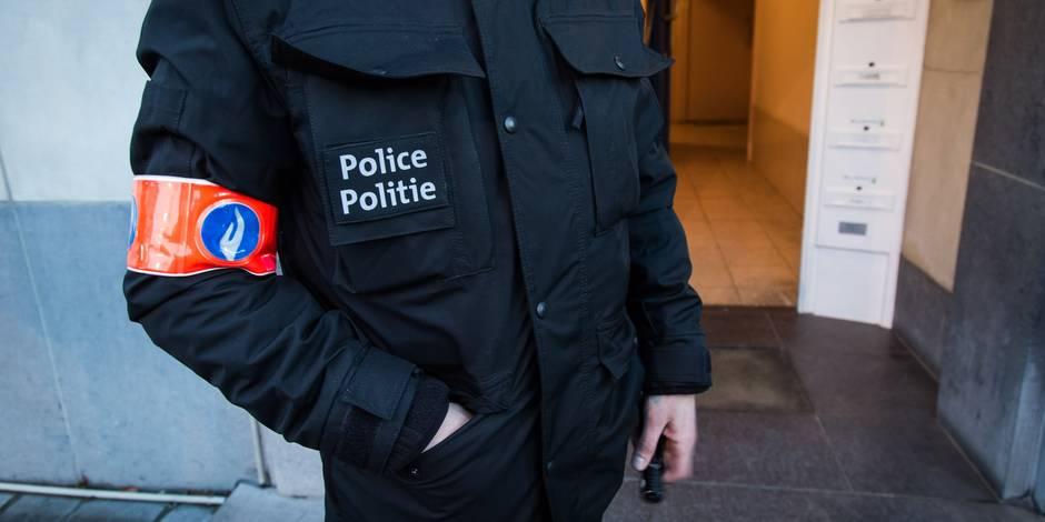 Attentats de Bruxelles: Une enquête ouverte après une alerte à la bombe