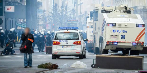 Manifestation de hooligans à Molenbeek : Vervoort durcit le ton - La Libre