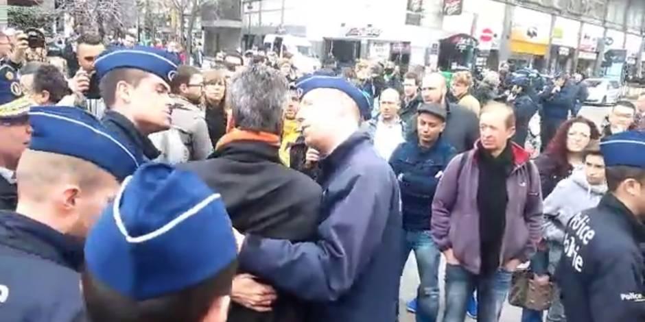 Alexis Deswaef, président de la Ligue des Droits de l'Homme, arrêté à la Bourse (VIDEO)