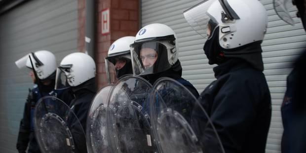 Baromètre: les Belges assez critiques sur la façon dont les autorités gèrent la menace terroriste - La Libre