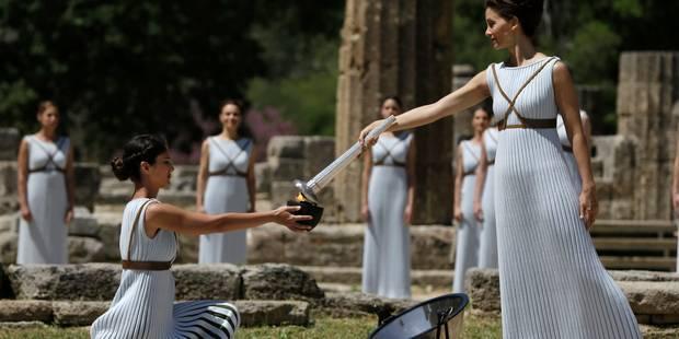 JO 2016: la flamme des Jeux de Rio a commencé à briller sur le site antique d'Olympie (VIDEO) - La Libre