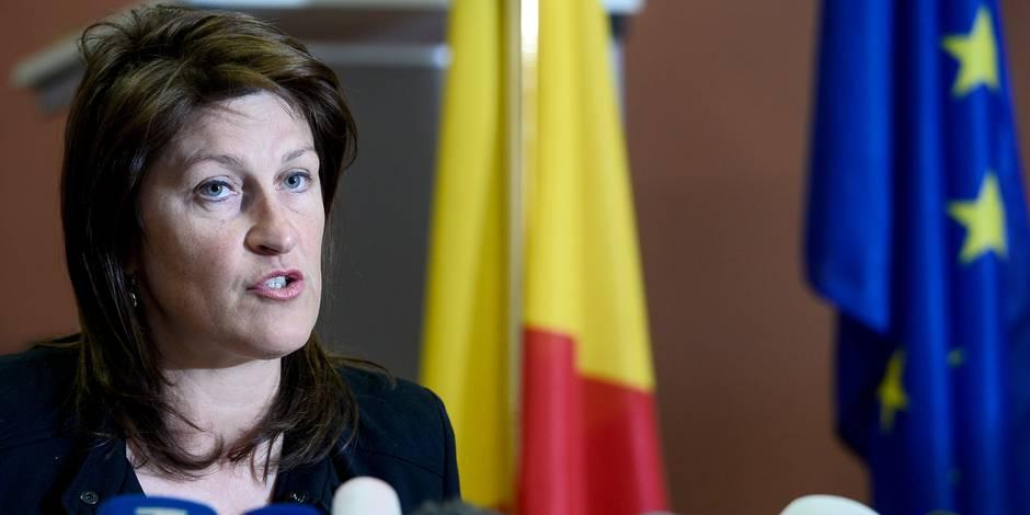 """Jacqueline Galant postpose sa rentrée au parlement """"pour raisons de santé"""""""