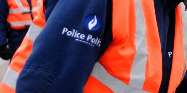 Deux agents de police bruxellois écroués pour vols avec violence - La Libre