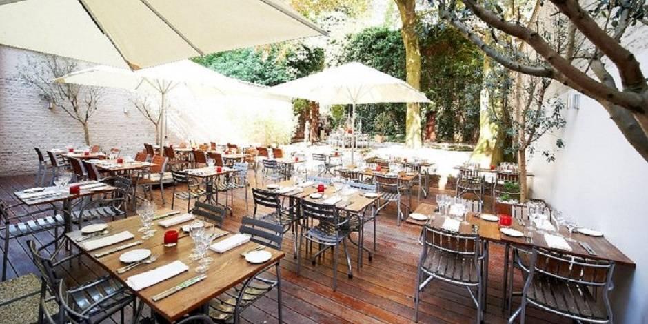 Un verre ou un resto au calme voici les terrasses - Table de terrasse restaurant ...