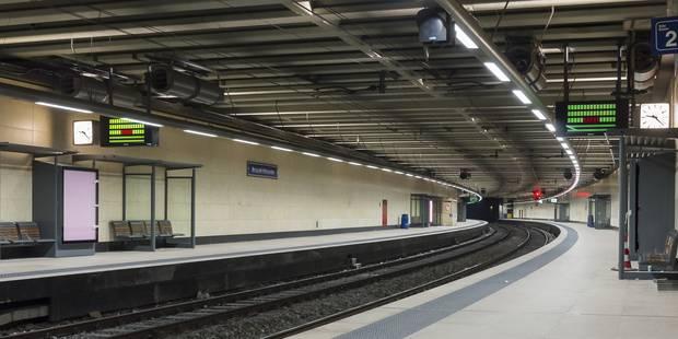 Bruxelles: 78 voyageurs bloqués dans un train jusqu'à... 3h du matin ! - La Libre
