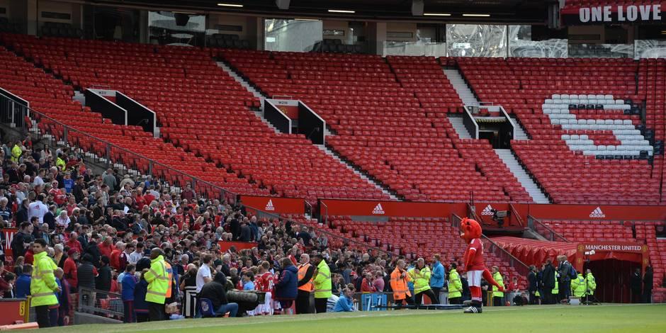 Des tribunes du stade Old Trafford évacuées avant United-Bournemouth, la match annulé