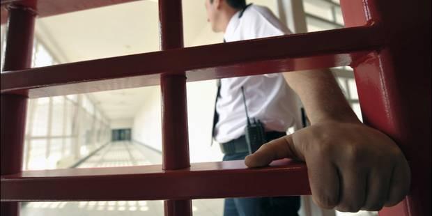 """Prisons: """"Les agents pénitentiaires sont moins que des cafards"""" - La Libre"""