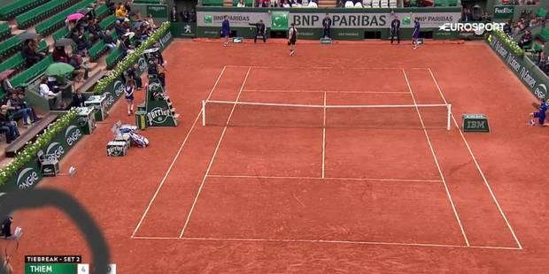 Roland Garros: Goffin jette sa raquette... et la prend en pleine tête (VIDEO) - La Libre