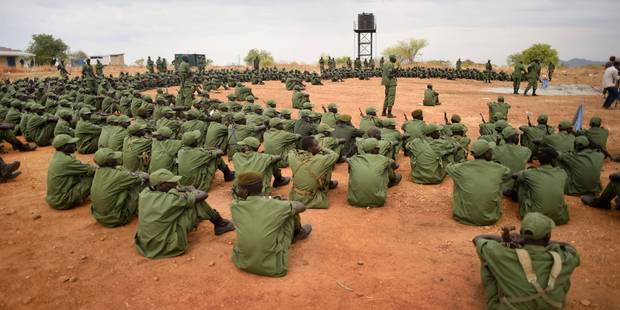 Des groupes armés étudiants prorégime font polémique au Soudan - La Libre
