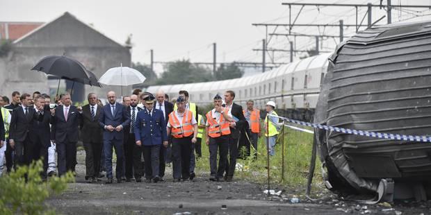 Accident ferroviaire à Saint-Georges-sur-Meuse: Charles Michel et le roi Philippe se sont rendus sur place (PHOTOS) - La...