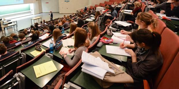 Rare: des étudiants en Droit qui peignent, sculptent, écrivent pour clôturer leur année - La Libre