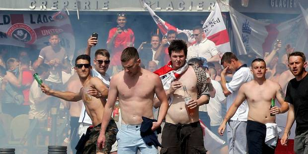Incidents à Marseille: ce CRS raconte comment il a sauvé la vie d'un supporter anglais - La Libre