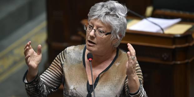 Ecolo dépose à son tour une proposition de loi sortant l'IVG du Code pénal - La Libre