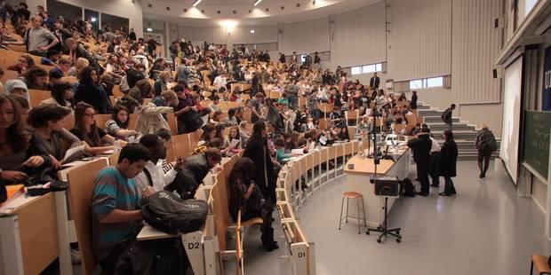 Les étudiants ne devront plus impérativement réussir pour conserver leur bourse - La Libre