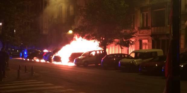 Voitures incendiées durant la nuit à Saint-Gilles: aucun suspect identifié (PHOTOS + VIDEOS) - La Libre