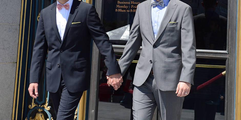 """Se balader main dans la main avec son copain gay à Bruxelles? """"Maintenant, on évite"""""""