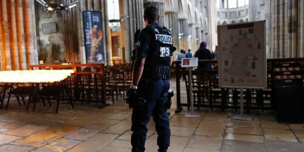 """Attentat dans une église en France: le deuxième assaillant, """"formellement identifié"""", était fiché pour radicalisation - ..."""