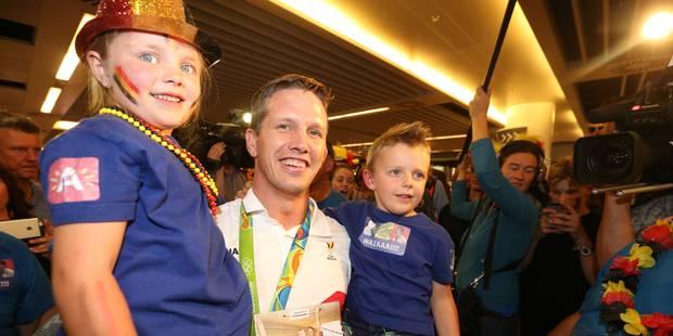 Retour triomphal à Brussels Airport pour le judoka Dirk Van Tichelt - La Libre