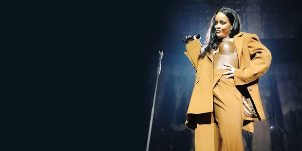 San Diego, CA - Rihanna puts on a show stopping performance at Viejas Arena as part of her 2016 Anti World Tour. The pop star diva sizzled in a green romper and matching boots, a lace up jumpsuit and an assortment of other sexy ensembles. AKM-GSI May 9, 2016 To License These Photos, Please Contact : Steve Ginsburg (310) 505-8447 (323) 423-9397 steve@akmgsi.com sales@akmgsi.com or Maria Buda (917) 242-1505 mbuda@akmgsi.com ginsburgspalyinc@gmail.com Reporters / GSI Media