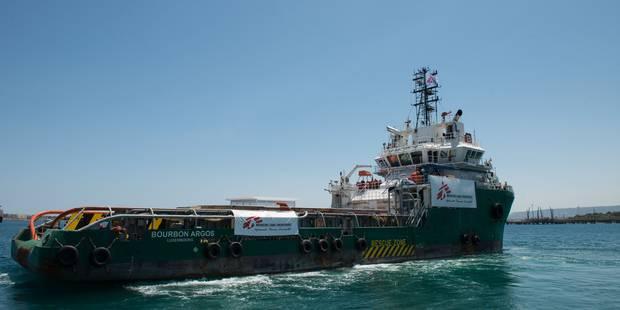 Un bateau de MSF participant au sauvetage de migrants attaqué au large de la Libye - La Libre