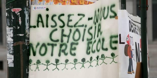 """Décret inscription: """"Enfants sans école, au secours!"""" - La Libre"""