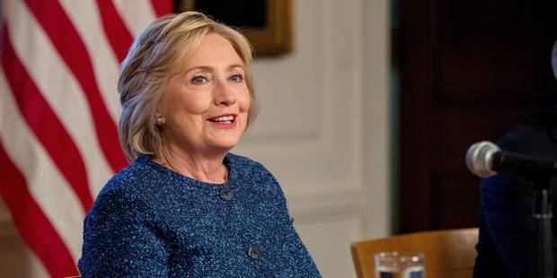 """Hillary Clinton """"en bonne santé"""" est """"apte à servir comme présidente"""" - La Libre"""