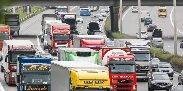 Un accident sur le Ring intérieur de Bruxelles cause encore des bouchons - La Libre