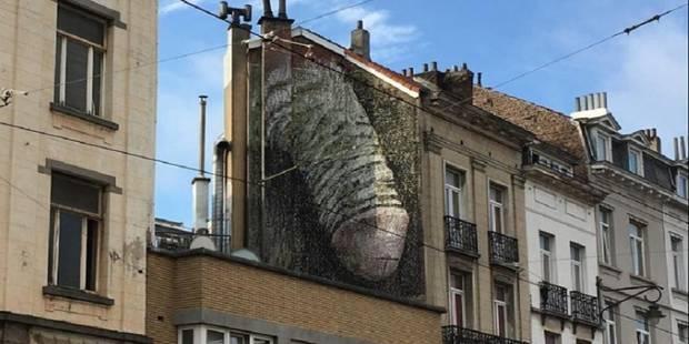 A Bruxelles, une pétition pour sauver le pénis géant - La Libre