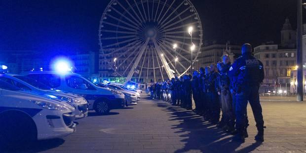 Poursuite de la mobilisation des policiers en colère en France - La Libre