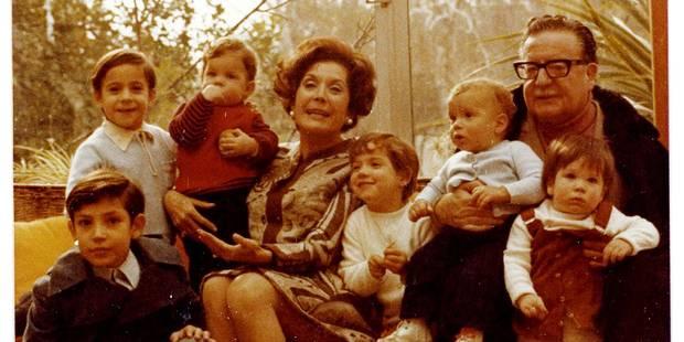 """""""Allende"""" : Le président chilien à travers les albums de la famille - La Libre"""