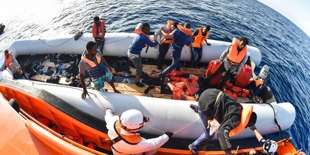 Migrants: au moins 110 disparus après un nouveau naufrage - La Libre