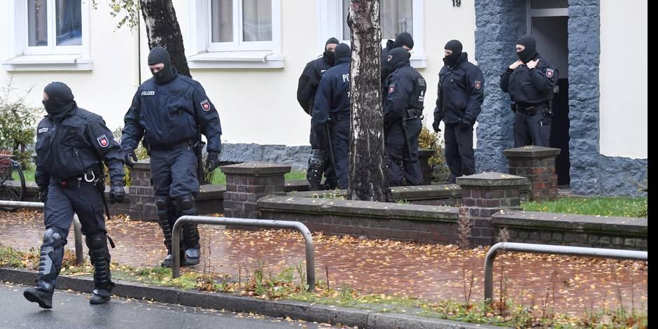 """Allemagne: cinq recruteurs présumés de l'EI arrêtés, dont le très recherché """"Abou Walaa"""""""