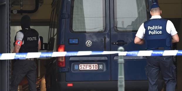 Le gouvernement gèle les comptes de 15 terroristes présumés - La Libre