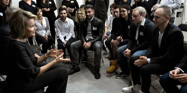 La reine Mathilde a rencontré des jeunes Bruxellois à la recherche d'un emploi - La Libre
