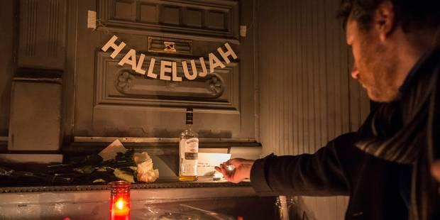 Hommage à Leonard Cohen devant sa maison de Montréal (PHOTOS) - La Libre