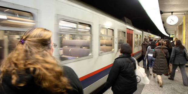 Une personne percutée par un train à la gare Centrale, la circulation est rétablie - La Libre