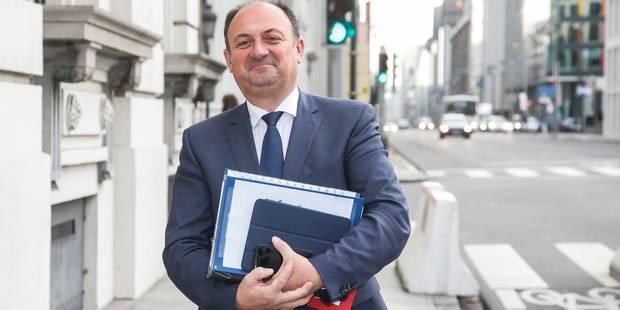 """Remise sur le marché de lait en poudre: """"Beaucoup trop tôt et trop dangereux"""", juge Borsus - La Libre"""