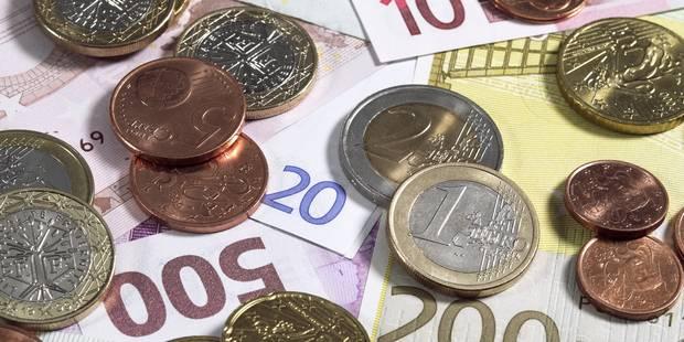 Un virement peut coûter jusqu'à 5 euros - La Libre