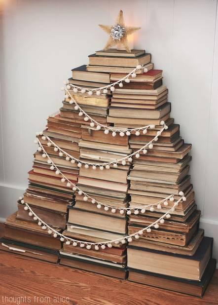 Autre version de sapin-bibliothèque, où le risque que tout s'écroule est moins grand
