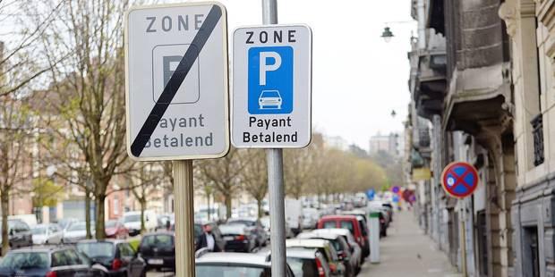 Bruxelles - Avenue du roi: politique de stationnement quelque peu surréaliste entre les communes de Forest et Saint Gilles