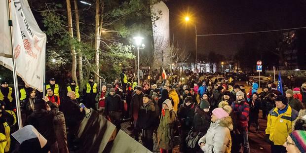 Un vent de révolte souffle sur Varsovie - La Libre