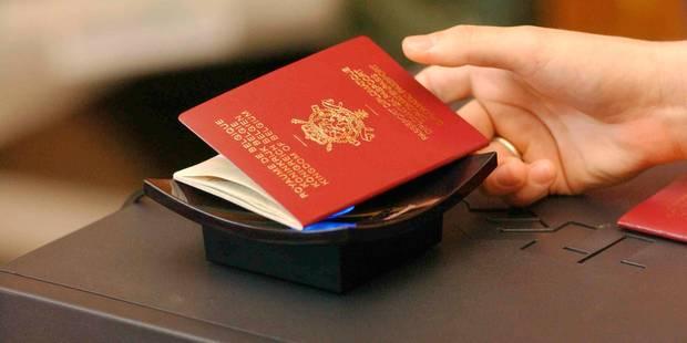 Soupçon de fraude aux documents d'identité à Bruxelles: ouverture d'une enquête - La Libre